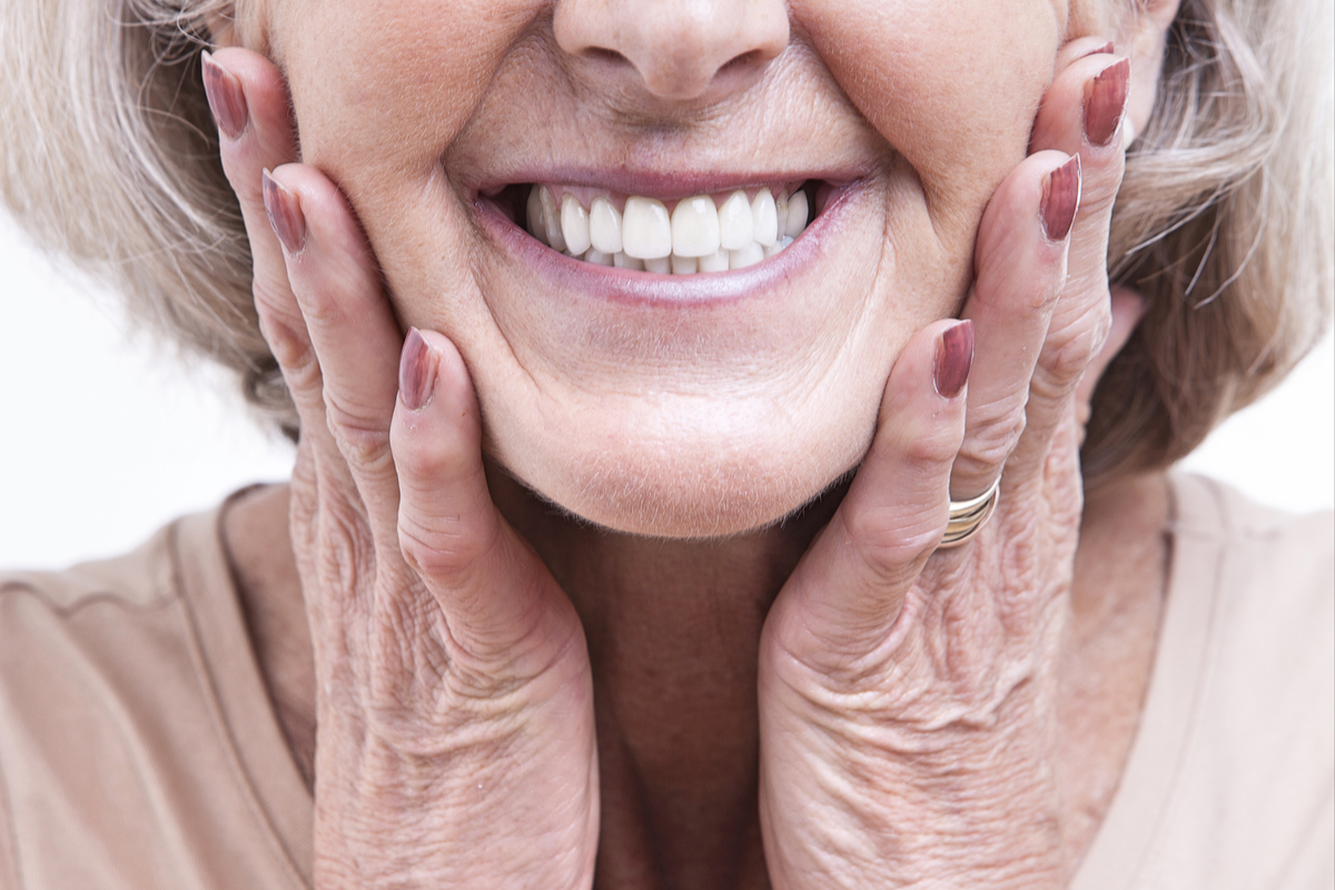 Dental Implants Or Dentures? Which One Is Right For Me? | Samuel Dental Art PC