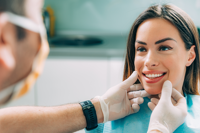 Who Can Benefit from Cosmetic Dental Procedures? | Samuels Dental Arts-1
